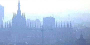 INQUINAMENTO A MILANO: PM 10 ALLE STELLE ANCHE DURANTE LE VACANZE DI NATALE